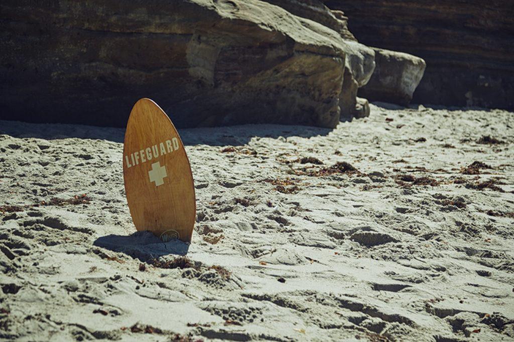 Schild Reiseversicherungen Lifeguard