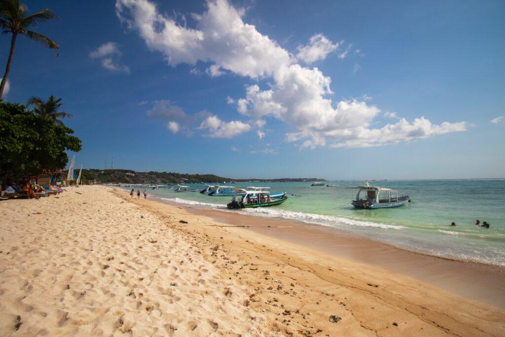 Boote am Strand Bali