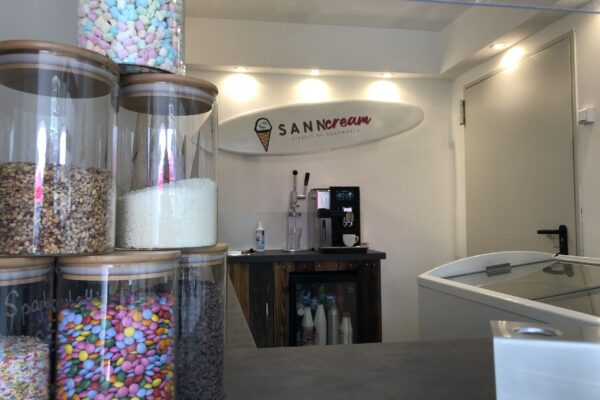 Eisdiele Toppings Sanncream
